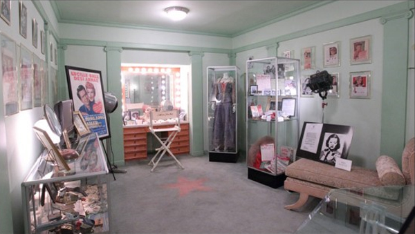 thm-int-makeup-rooms-2